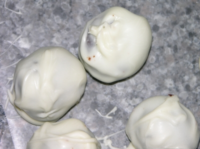 Ugly Cake Balls 16 - Lumpy Coating
