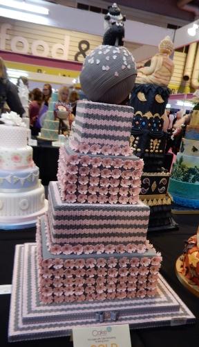 knitting wedding cake