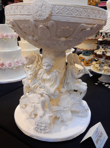 2014-nov16-nec-weddingcake2