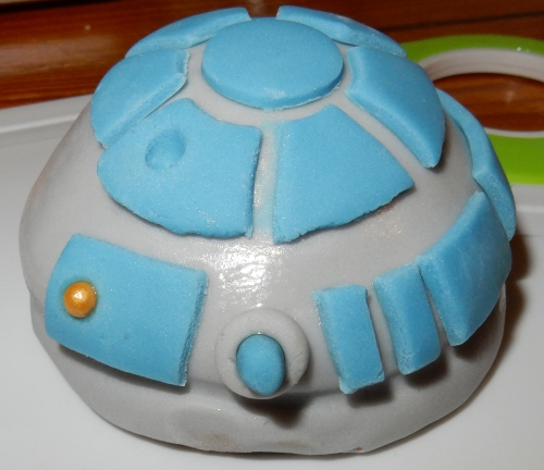 back of R2D2 head