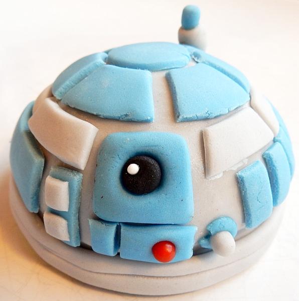 R2D2 head cookie