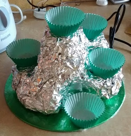 foil lump with cupcake holders